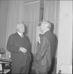 4923 Deventer - Persfotograaf D.W. Nijland: Afscheidsreceptie van de hr. Johan Winkler(1898-1986), hoofdredacteur bij ...