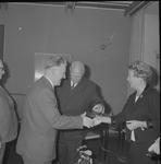 4926 Deventer - Persfotograaf D.W. Nijland: Afscheidsreceptie van de hr. Johan Winkler(1898-1986), hoofdredacteur bij ...