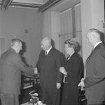 4943 Deventer - Persfotograaf D.W. Nijland: Afscheidsreceptie van de hr. Johan Winkler(1898-1986), hoofdredacteur bij ...