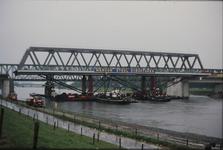 3529 Deventer - SpoorbrugInvaren en plaatsen van de nieuwe spoorbrug naast de Catherine Millerbrug.