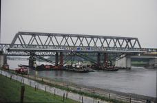 3530 Deventer - SpoorbrugInvaren en plaatsen van de nieuwe spoorbrug naast de Catherine Millerbrug.