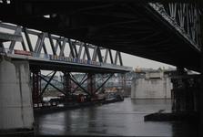 3533 Deventer - SpoorbrugInvaren en plaatsen van de nieuwe spoorbrug naast de Catherine Millerbrug.