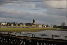 3542 Deventer - SpoorbrugGezicht vanaf de nieuwe spoorbrug.