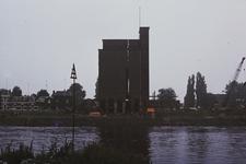 3549 Deventer - Pothoofd - silo KapellePlaatsen van springladingen en het laten springen van de eerste silo van Kapelle ...