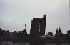 3550 Deventer - Pothoofd - silo KapellePlaatsen van springladingen en het laten springen van de eerste silo van Kapelle ...