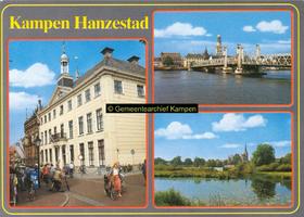 F005682 Verzamelkaart van Kampen met afbeeldingen van het Oude en Nieuwe Raadhuis, de Bovenkerk en Koornmarktspoort en ...