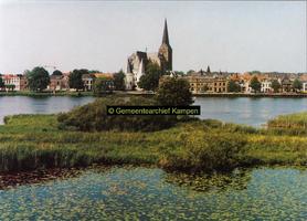 F005676 Stadsfront Kampen met Bovenkerk en Koornmarktspoort.