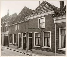 F000846 Stadsboerderij in de Groenestraat nr. 172 met naast gelegen woonhuis nr. 174.