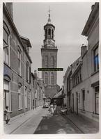 F001703 De Nieuwe Toren werd naar een ontwerp van Philips Vingboons tussen 1648 en 1664 als klokkentoren gebouwd. De ...
