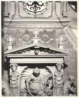 F001563 Detailfoto van de allegorie op de regering van de keizer, afgebeeld is de Gerechtigheid,in de ene hand een ...