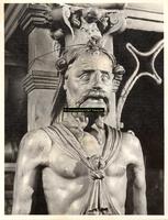 F001541 Detailfoto van de herme (man) aan de linkerzijde van de schouw, vervaardigd door beeldhouwer meester Colijn de ...