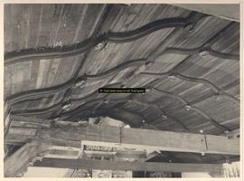 F001411 Gedeelte van het plafond in de Schepenzaal met zogenaamde rozettes.