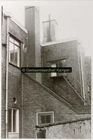F001127-2 Binnenplaats met gedeelte van het gebouwencomplex van de Rijksdienst voor de IJsselmeerpolders (van 1940 tot ...
