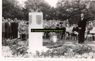 F002008 Herdenking bij het monument voor de in Indië gesneuvelde militairen 1945-1948 in het ...