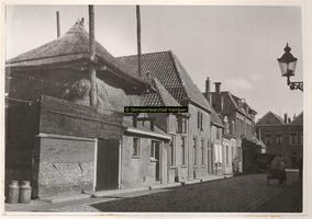 F000831 Panden Groenestraat 9 - 1 en Cellebroedersweg 10, met stadsboederij.