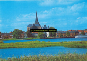 F005687 Bovenkerk en Koornmarktspoort met omgeving.