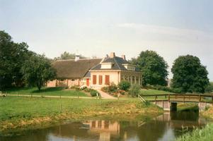 F012212 IJsselmuiden, boerderij aan de Bisschopswetering te Mastenbroek.