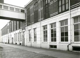 F009544 Uit het fotoalbum van de fam. Berk.Magazijn gebouwen Berk Kampen B.V., op deze foto de hoofdweg met overloop.
