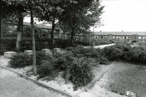 F013038 Het filiaal van de Openbare Leeszaal aan de Dr. Schaepmanlaan 2 in de Hanzewijk heeft plaats gemaakt voor de ...