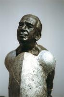 F013061 Voorstudie van het borstbeeld van de Dr. W.J. Kolff, gemaakt de de kunstenaar Norman Burkett. Over de ...