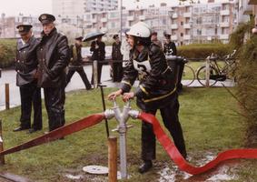 F010696 De brandweer van IJsselmuiden werd in 1985 bij de gewestelijke wedstrijden te Zwolle als tweede gekwalificeerd, ...
