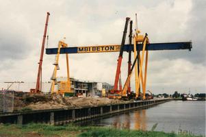 F013297 Nieuwbouw van MBI Beton aan de Haatlanderhaven op het industriegebied De Greente , het bedrijf levert ...