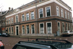 F013291 De weeshuizen aan de Cellebroedersweg in Kampen. De Cellebroeders, leefden naar den regel van St. Augustinus, ...