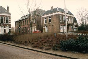 F013295 Voormalige glasfabriek en directeurswoning aan de Bovenhavenstraat, tegenwoordig het zogenaamde ...