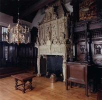 F013226 Interieur van de Schepenzaal in renaissancestijl van het Oude Stadhuis in Kampen, vlakbij de Stadsbrug over de ...