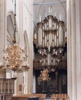 F013243 Het orgel van de Bovenkerk stamt uit de jaren 1670-1676. In 1742 is dit orgel in zijn geheel vernieuwd door ...