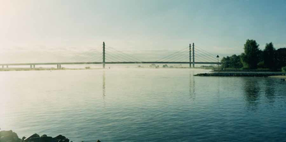 F013244 De Molenbrug is een brug in Nederland van het type tuibrug. Deze brug werd op 4 oktober 1983 geopend door ...