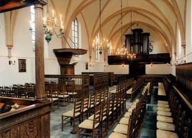 F013318 Interieur van de Sint-Nicolaaskerk in Zalk. De kerktoren in romaanse stijl stamt al uit 1220 en het gotische ...