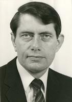 F004493 Ds. B. Oosterom, predikant bij de Hervormde Gemeente te Kampen vanaf 1984.