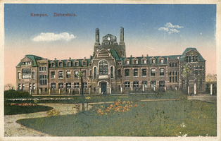 F004548-2 Ziekenhuis aan het Engelenbergplantsoen, de heer C.H.A. Engelenberg overleed te Kampen in 1910, hij ...