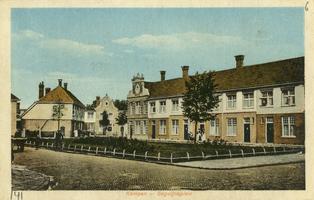 F000141 Begijneplein in Brunnepe, het plein is genoemd naar de veronderstelde aanwezigheid van begijnen in de 15e en ...