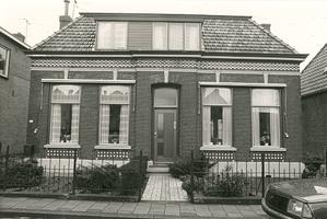 F013200 Dorpsweg no. 13 te IJsselmuiden.