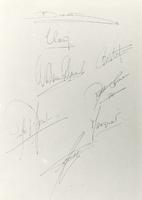 F005423 Handtekeningen van de koninklijke familie in het Album, bevattendehandtekeningen van Vorstelijke Personen die ...