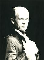 F007857 Henk van Ulsen, acteur van nationale vermaardheid (Dagboek van een gek).Zijn zilveren toneeljubileum vierde hij ...