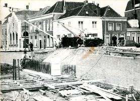 F013375 Werkzaamheden aan de Vloeddijk t.b.v. een nieuw te bouwen brug over de Burgel en versmalling van de stadsgracht ...