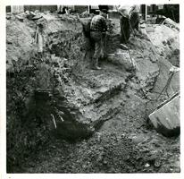 F013376 Werkzaamheden op de bodem van de Burgel en de oude kademuren aan de zijde van de Vloeddijk t.b.v. de ...