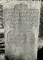 F003946 Grafsteen van N. de Wilde, geboren 24 oktober/ 5 Marcheswan (5)586. - H(ier is) b(egraven) Noach, zoon van ...