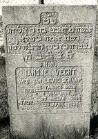 F003953 Grafsteen van Jansje Vecht, weduwe van Levie Schaap, geboren 8 juli 1866/25 Tamoez (5)626. - H(ier is) ...