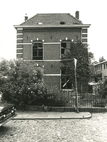 F003926 De rechter zijgevel van de voormalige sigarenfabriek Indiana aan de IJsselkade voor de restauratie.