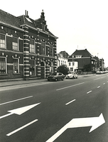 F003927 Rechterzijde van voorgevel van de voormalige sigarenfabriek Indiana aan de IJsselkade voor de restauratie.