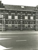 F003931 Rechter voorzijde van de voorgevel van de voormalige sigarenfabriek Indiana aan de IJsselkade voor de restauratie.