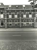 F003932 Linker voorzijde van de voorgevel van de voormalige sigarenfabriek Indiana aan de IJsselkade voor de restauratie.