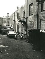 F003933 Achterzijde van de voormalige sigarenfabriek Indiana aan de IJsselkade voor de restauratie.