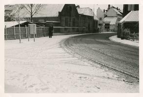 F006146 De Bovenhavenstraat, aangelegd in 1888. Het terrein behoorde tot het industriegebied van Kampen, hier stond ...