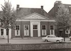 F000501 Oud patriciërshuis aan de Burgwal, een der gebouwen van de Verenigde Gasthuizen heeft rond de eeuwwisseling ...