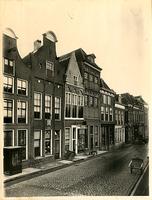 F001295 Oudestraat, de pand 152-170; 156 huidige kapper Hollander - vroeger Brood en Banket; 158 Gotisch Huis, ...